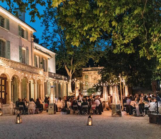 Diner devant la bastide (juin 2019)