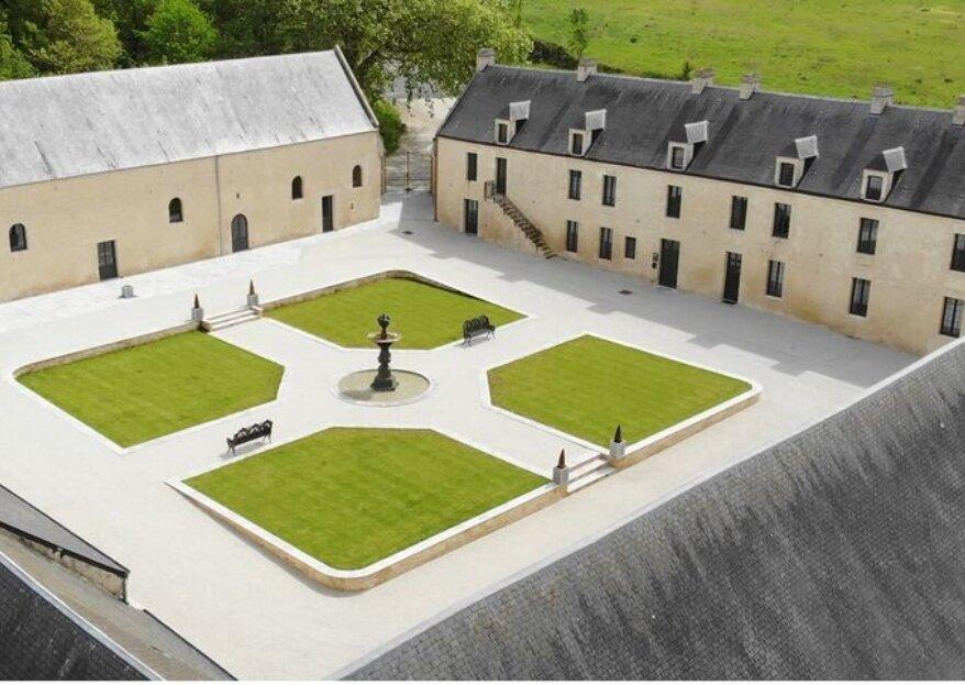 Domaine de la Cour des Lys : une propriété historique et prestigieuse en Normandie