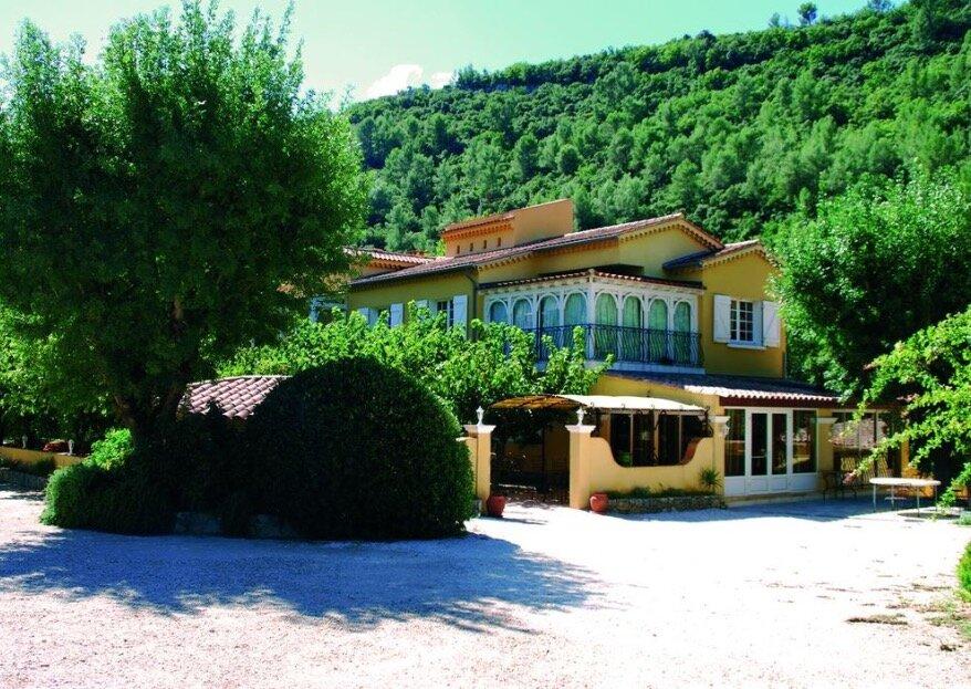 Découvrez le vrai goût de la Provence en vous mariant à La Bastide Enchantée