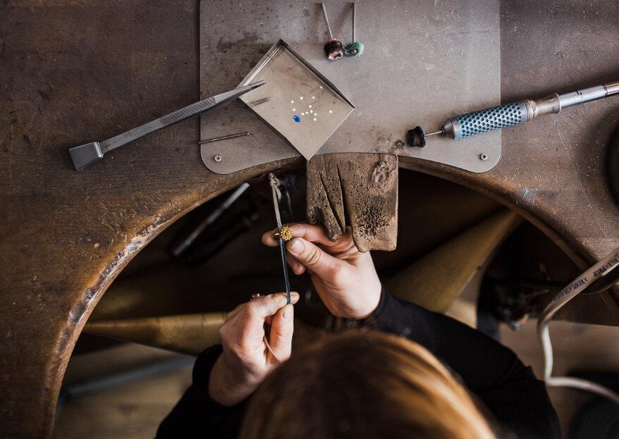 Chez l'Atelier Joaillerie, faites fabriquer vos bagues de fiançailles et alliances sur-mesure