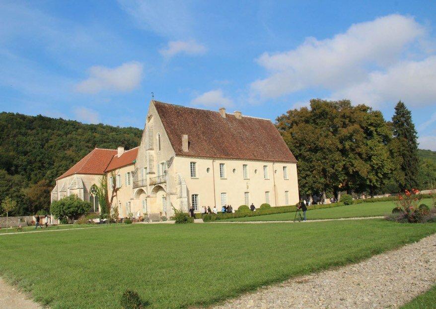 Abbaye de Reigny : un lieu exceptionnel où vous marier en Bourgogne !